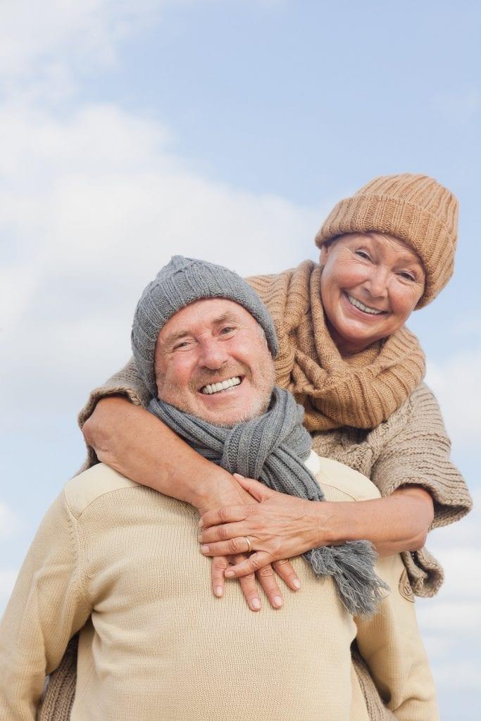 Couple - Bonheur - Seniors - Vacances - Heureux (1)