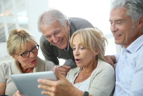 Tablette - Internet - NTIC - Achats en ligne - Intergénérationnel