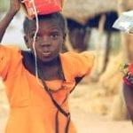 A 93 ans, elle part au Kenya pour une mission humanitaire