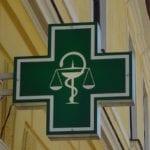Les pharmaciens peuvent réaliser des bilans de médication pour les personnes âgées