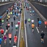 Âgé de 60 ans, il court le marathon de Paris pieds nus !