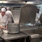 L'Esat le Colibri,spécialisé dans la livraison à domicile de repas dans le sud de Paris, s'engage auprès des personnes en situation de handicap