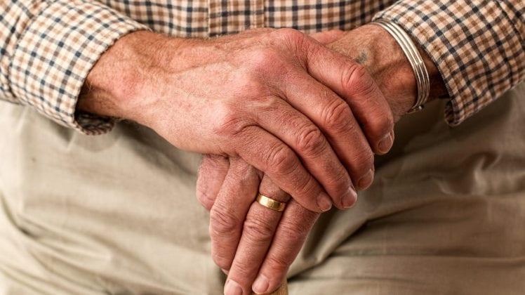 Un senior sur trois sans emploi ni retraite vit sous le seuil de pauvreté
