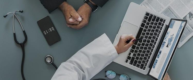 senior médecin conseil relation médecin-malade
