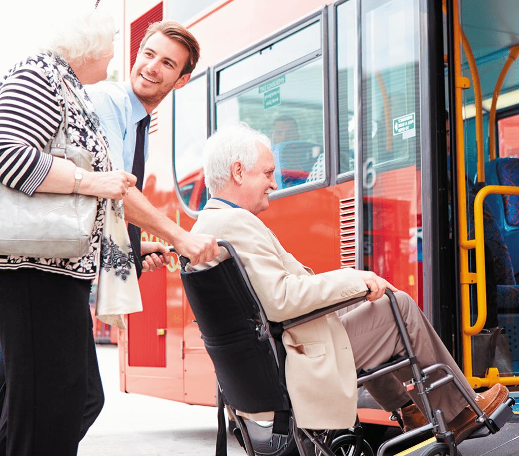 aide - accompagnement - aidant - mobilité - transports - fauteuil roulant