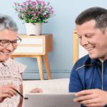 La sélection de La Poste pour le Noel des seniors : la tablette Ardoiz version 2019