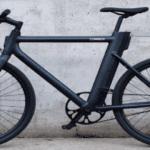 Lutte contre l'isolement : une association donne des cours de vélos électriques pour les personnes âgées
