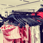 Des marques de vêtements et de beauté proposent des produits adaptés à la ménopause