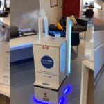 Covid-19 : Un robot désinfectant autonome testé dans les maisons de retraites canadiennes
